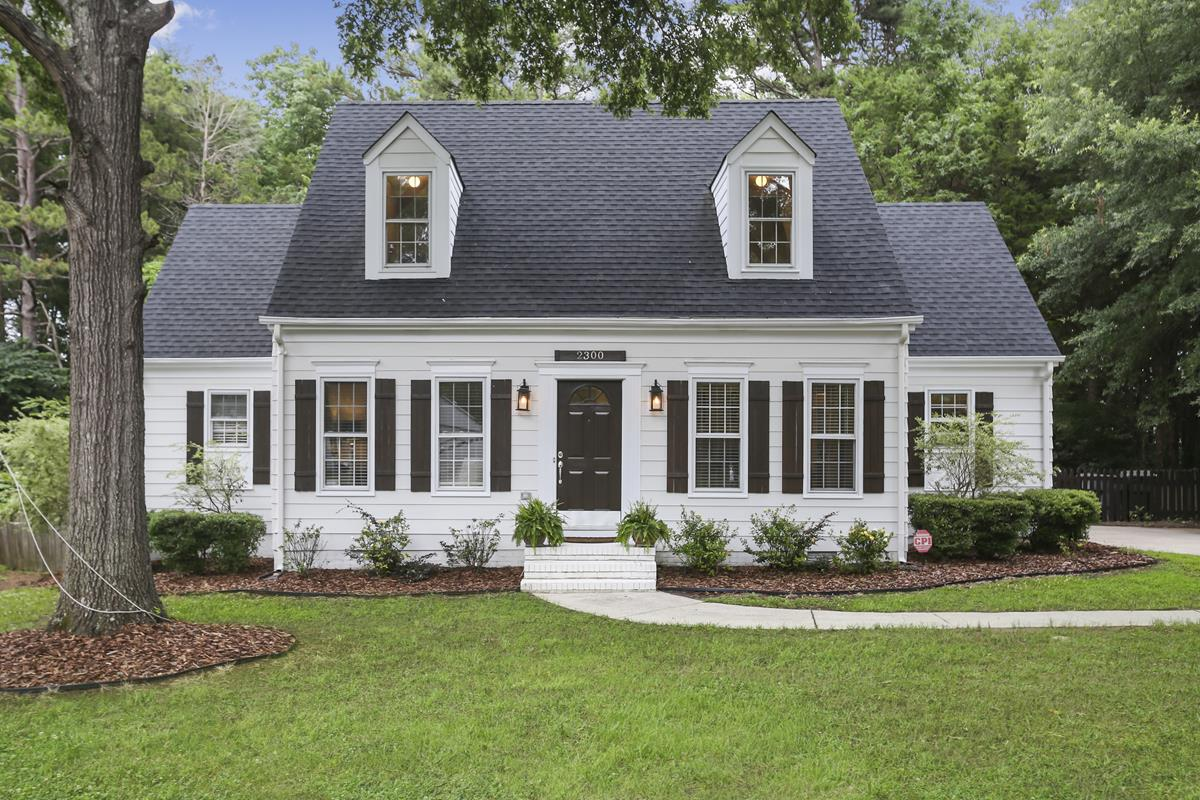Surprising North Carolina Real Estate Bhhs Carolinas Realty Home Interior And Landscaping Spoatsignezvosmurscom